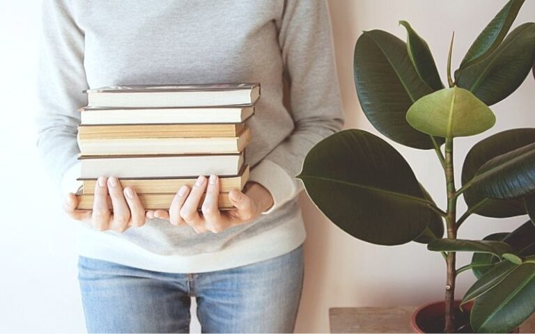 10 Books You'll Love to Inspire Your Cozy Homemaking
